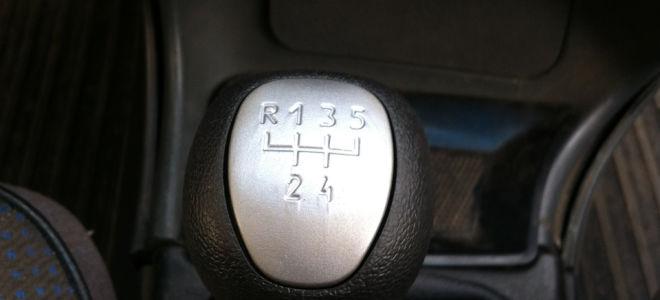 Как сделать, чтобы ручка КПП ВАЗ 2114 перестала болтаться?