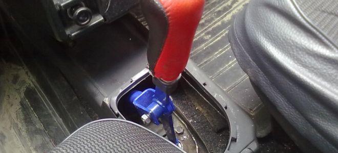 Как отремонтировать рычаг КПП на ВАЗ 2107?